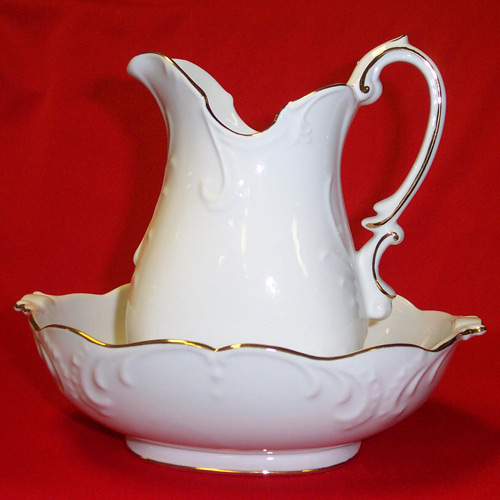 "D1242-9"" PITCHER & BOWL"