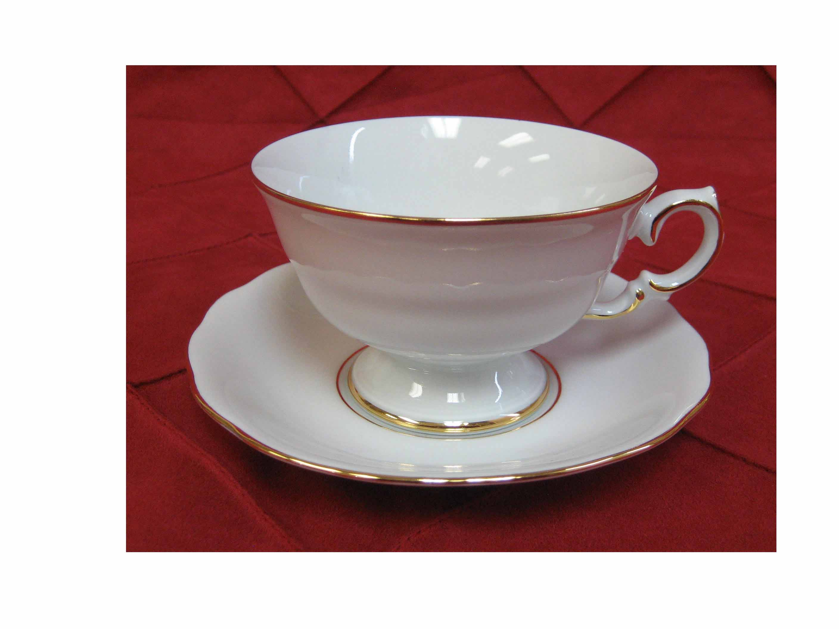 GTCS7 GOLD RIM TEA CUP AND SAUCER