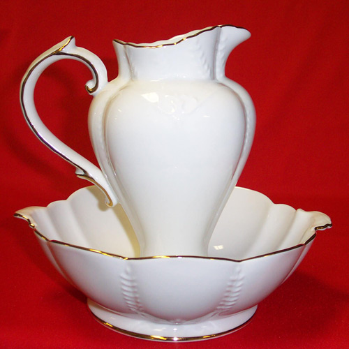 "D1240-9"" PITCHER & BOWL"